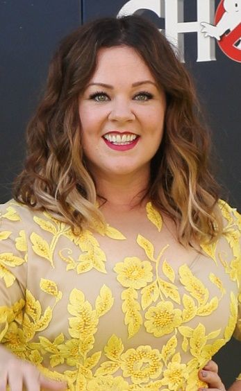 Melissa Mccarthy Hairstyles 20160709 In 2019 Curled