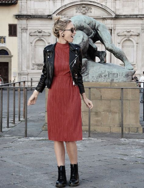 Outfit inspiration fall 2016 Primark: leather jacket dr martens biker boots and red cherry silk dress.