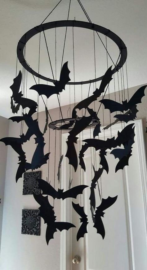 Are you in search of cheap Halloween decoration ideas? Then you're at the right place, as we have a pick of 25 amazing Halloween party decorations! Holidays Halloween, Easy Halloween, Halloween Crafts, Halloween Bedroom, Goth Halloween Costume, Gothic Halloween, Halloween Table, Halloween Halloween, Adornos Halloween