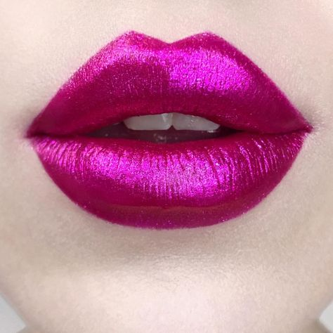 After Using This Ingredient You Will Never Use Any Lipstick! Your Lips Will Look Naturally Pink headmos. Lipstick Art, Lipstick Shades, Lip Art, Lipstick Colors, Lip Colors, Kat Von D, Hot Pink Lips, Orange Lips, Pink Eyes