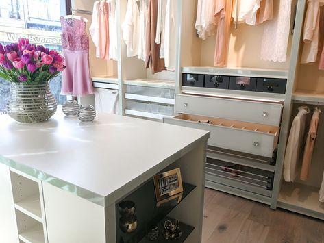 Einbauschranke Nach Mass Begehbare Kleiderschranke In 2020 Ankleide Zimmer Ankleide Und Begehbarer Kleiderschrank