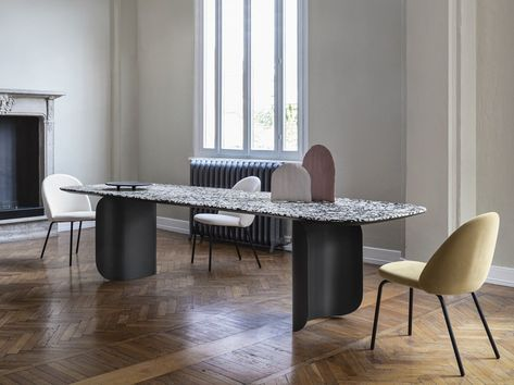 Tavolo In Marmo Da Esterno.Barry Table En Marbre By Miniforms Design Alain Gilles Nel 2020