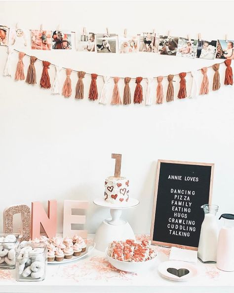 First birthday party decoration setup is available! DM us for details. . . . @bespokeevents.pk  @bespokeevents.pk  @bespokeevents.pk . . . #bespoke #birthdaydecoration #surpriseforher #surpriseforhim #balloondecoration #decorationideas #decorcrushing #partydecorations #partyballoon #surpriseparty #birthdaysurprise #1stbirthdaydecor  #birthdaydecor  #anniversarydecor #husbandbirthday%