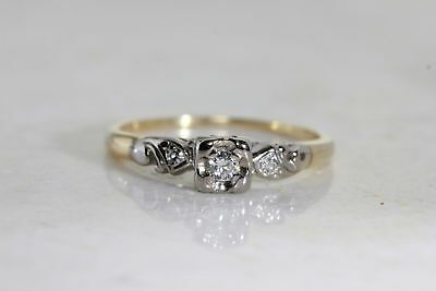 14KT Yellow Gold Round Diamond Slender Heart Cluster Ring 0.07 Cttw