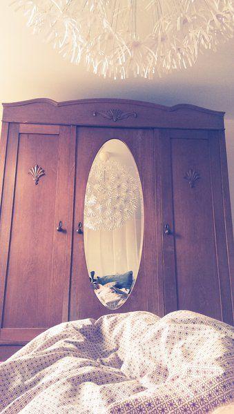 alter Schrank mit ovalem Spiegel mit Bildern   Alte schränke, Ovaler spiegel, Schrank mit spiegel