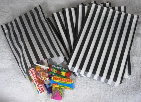 """200 Color /& White Candy Stripe Paper Sweet Bags Wedding 5/"""" X 7/"""" Pick /'n/' Mix Bag"""
