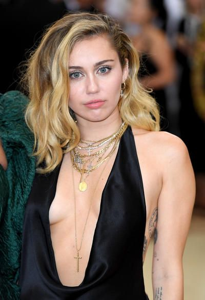 21st Century Child Stars All Grown Up And Hot Miley Cyrus