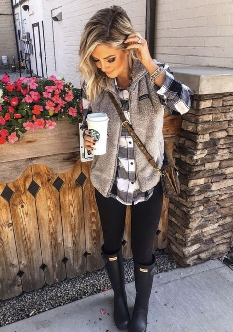 Early Fall Outfit Ideas You Must Try – JANDAJOSS.ME Fall fashion outfits ideas cute and chic winter outfits ideas 2020 Cute Fall Outfits, Fall Winter Outfits, Autumn Winter Fashion, Winter Clothes, Rainy Day Outfit For Fall, Winter Style, Early Fall Outfits, Cute Fall Clothes, Fall Outfit Ideas