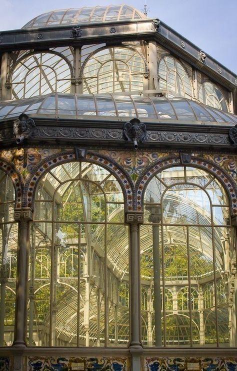 Interior Designs and Decorations Beautiful Architecture, Architecture Design, Ventana Windows, Victorian Greenhouses, Victorian Gardens, Design Loft, Design Design, Nature Aesthetic, Glass House