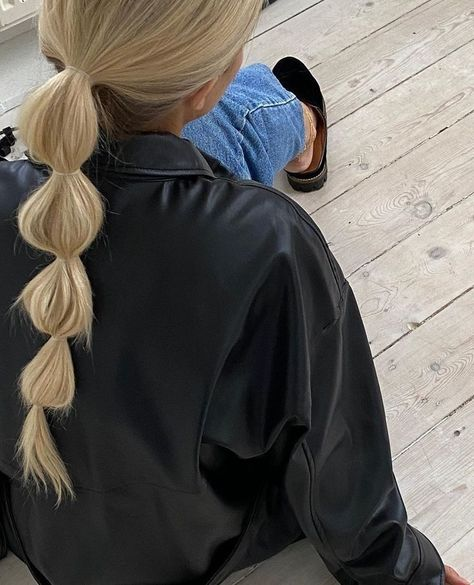 Fun and easy hair styles that are trending this season #hairideas #hairstyle Hair Inspo, Hair Inspiration, Fashion Inspiration, Aesthetic Hair, Blonde Aesthetic, Aesthetic Outfit, Brown Aesthetic, Summer Aesthetic, Aesthetic Makeup