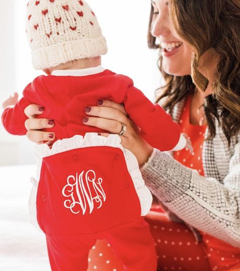 Baby's First Christmas Gift Ideas | Olive and Tate. Is this your new baby's first Christmas?! Yay! If you're like me, then you're looking for creative gift ideas that are also memorable to commemorate this special milestone. Check out my list of favorite first Christmas gift ideas!