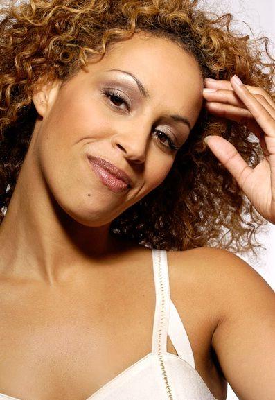 Glennis Grace is a Dutch singer  | Female singers - Dutch | Female