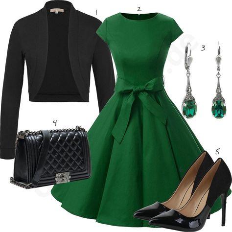 Elegantes Damenoutfit mit grünem Kleid und Blazer
