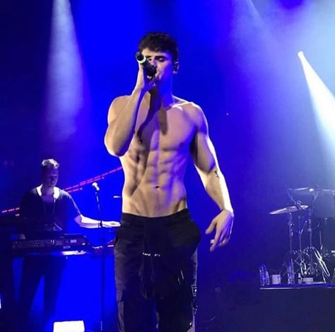 Find images and videos about abs, daddy and jack gilinsky on We Heart It - the app to get lost in what you love. Pretty Men, Pretty Boys, Rafael Miller, Abs Boys, Jack Gilinsky, Aesthetic Body, Cute White Boys, Herren Outfit, Shirtless Men