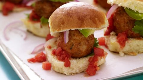 Chicken Meatball Sliders | Dashrecipes.com