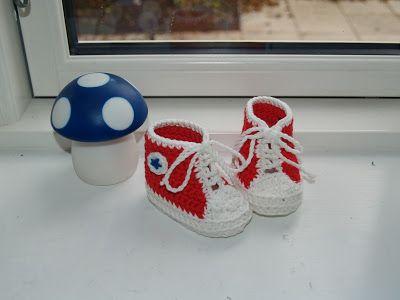 Frøken Fogh: Hæklede Converse baby sutsko børnestrik    Frøken Fogh: Hæklede Converse baby sutsko   title=  6c513765fc94e9e7077907733e8961cc          børnestrik