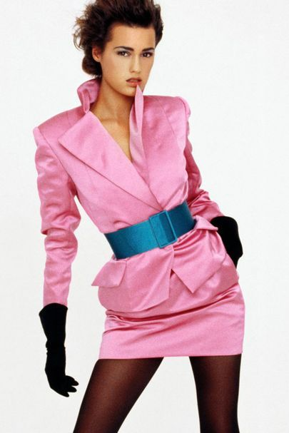 """Skin Satin Shine"", Vogue UK, October 1987 Photographer : Peter Lindbergh … ""Skin Satin Shine"", Vogue UK, October 1987 Photographer : Peter Lindbergh Model : Yasmin Le Bon Uploaded by"