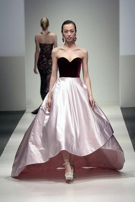82 of Oscar de La Renta's Best Fashion Looks - Oscar de la Renta Runway and Red Carpet Looks - Elle