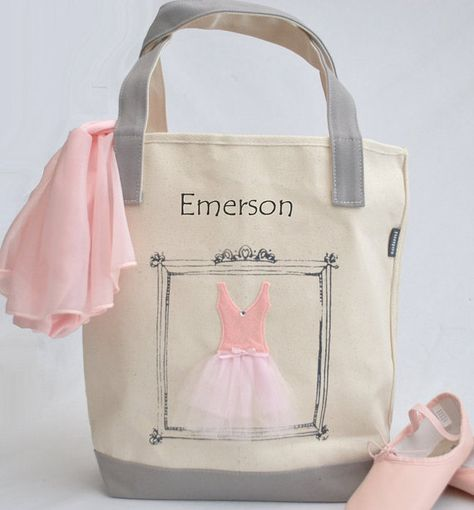 Dainty and sweet, the little ballerinas will turn pirouettes over this tote. Its a guaranteed party favor favorite. The bag features a picture perfect tutu styled in soft pink hues. It is carefully crafted with felt, tulle and a darling bow all reinforced with zig-zag stitching. A screen