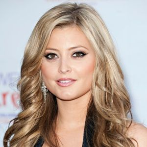 Holly Valance Biography Age Height Weight Family Wiki More Holly Valance Long Hair Styles Photos Of Women