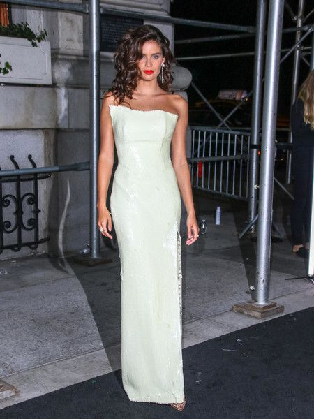 Sara Sampaio is seen arriving at The Worldwide Editors of Harper's Bazaar celebration, ICONS.