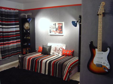 Like the color combo for teen boy's room