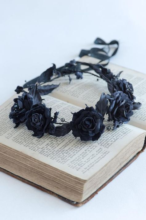 Black flower crown Gothic headpiece Black bridal h Gothic Flowers, Dark Flowers, Small Flowers, Black Flower Crown, Wedding Accessories, Hair Accessories, Crown Aesthetic, Tiaras And Crowns, Swarovski Pearls