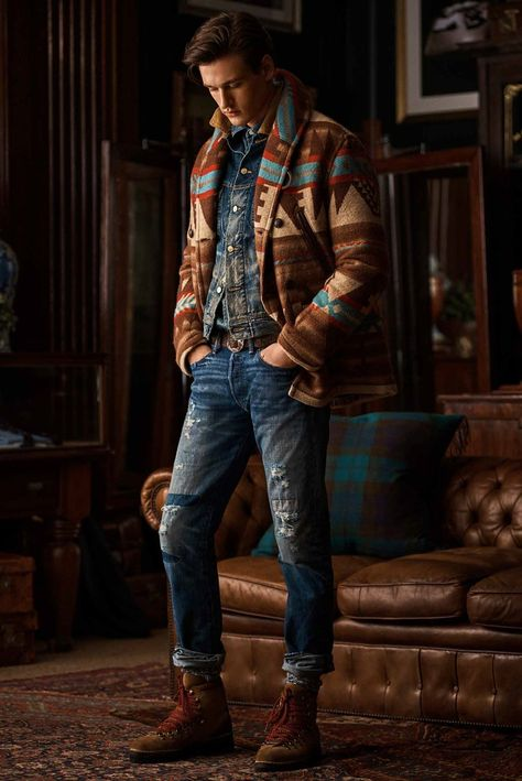 Polo Ralph Lauren Fall 2020 Menswear Fashion Show Herringbone Suit, Polo Ralph Lauren, Ralph Lauren Fashion, Madrid, Outfits Hombre, Vogue, Cable Knit Cardigan, Ralph Lauren Collection, Men's Wardrobe