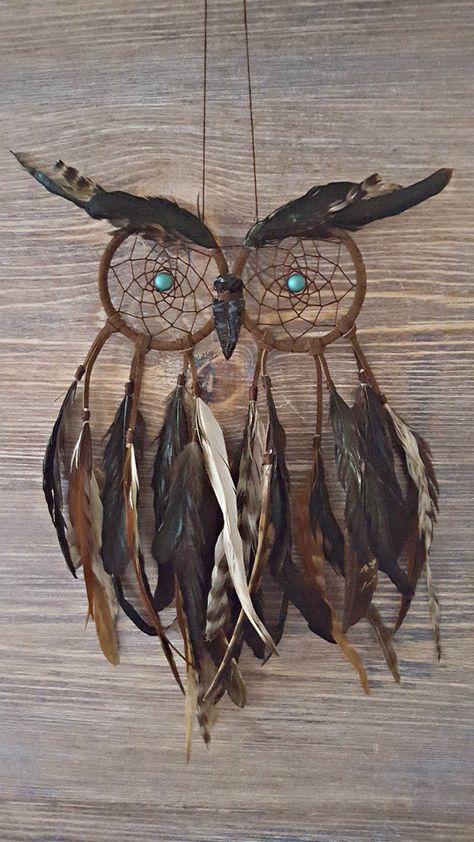 Dream Catcher Patterns, Owl Dream Catcher, Dream Catcher Decor, Making Dream Catchers, Crafts To Make, Arts And Crafts, Dream Catcher Tutorial, Deco Nature, Feather Crafts