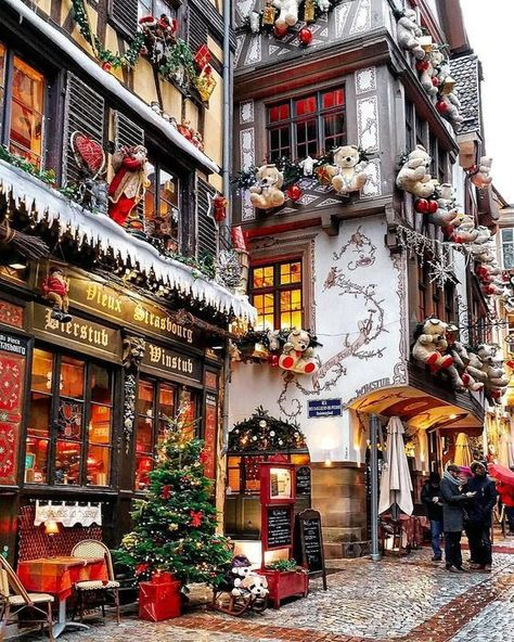 A real-life Christmas Village Strasbourg, France transforms into a real life Christmas village. I have been to Strasbourg before, but never during Christmas. I now have to put it… The post A real-life Christmas Village appeared first on Belle Ouellette. Oh The Places You'll Go, Places To Travel, Places To Visit, Christmas Aesthetic, Christmas Mood, Christmas Pajamas, Christmas In New York, Christmas Wreaths, Christmas Decorations