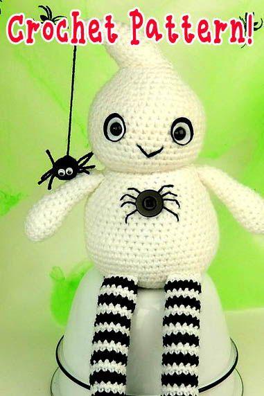 Crochet Pocket Ghost Free Pattern | 572x381