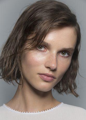 Tob Bob Neue Trendfrisur Fur Den Fruhling Kurzhaarfrisuren Trendfrisuren Frisuren
