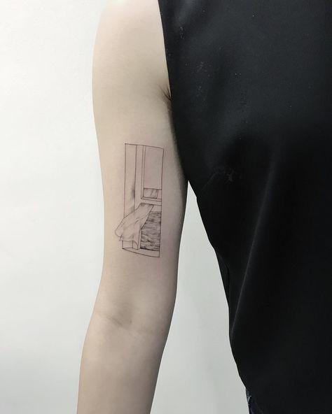 Fleecircus @fleecircus A homage to Edward Hopper, thank you so much Gloria. 🙇🏻♀️👊🏻🙏🏼💨☁️🌊🎨 #traditionstattooing #traditionstattooingsingapore #traditionstattoocollective #traditionstattoocollectivesingapore #tattoodesign #tattooideas #tattoosg #lineworktattoo #lineworkers #lineworktattoos #linework #fleecircustattoo #fleecircus - Liketogirls