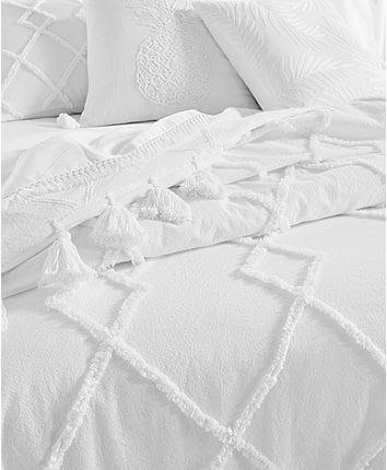 Lucky Brand Diamond Tuft Queen Bed Cover Created For Macy S Reviews Quilts Bedspreads Bed Bath Macy S White Bed Covers Bed Covers Bed Spreads