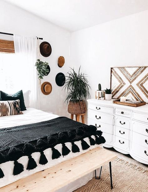 Home Decor Bedroom, Bedroom Furniture, Bedroom Ideas, Wooden Furniture, White Bedroom Decor, Coaster Furniture, Bedroom Designs, Bohemian Bedrooms, Aesthetic Bedroom