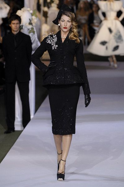 Dior Couture, Fall 2007 - These Throwback Runway Photos of Gisele Are Amazing - Photos