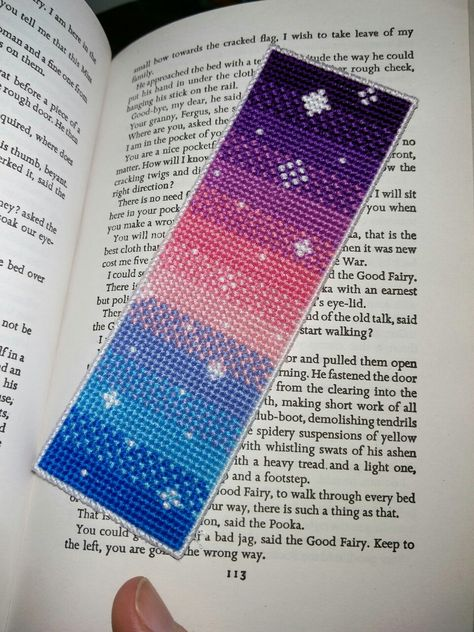 And finished! I was going for a sort of sunset sky here, inspired by the colours used in the title cards on Steven Universe. I think it turned out pretty good, so gonna try another with different. Cross Stitch Bookmarks, Cross Stitch Art, Cross Stitch Designs, Cross Stitching, Cross Stitch Embroidery, Cross Stitch Patterns, Kawaii Cross Stitch, Loom Beading, Beading Patterns