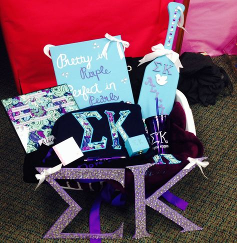 Sigma Kappa Big/Little Reveal. Crafting on a whole new level. Here are some ideas of what to put in your Big/Little Basket! #cuteideas