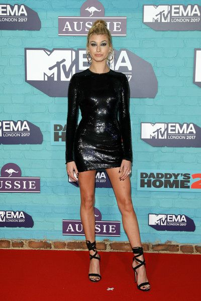Hailey Baldwin attends the MTV EMAs 2017.
