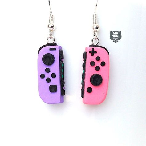 Polymer Clay Charms, Handmade Polymer Clay, Polymer Clay Earrings, Funky Earrings, Diy Earrings, Earrings Handmade, Weird Jewelry, Cute Jewelry, Jewelry Accessories