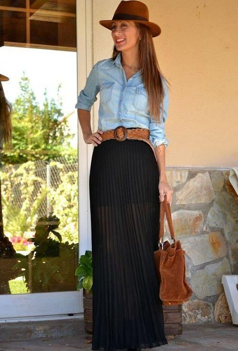 16 Maxi Skirt Trends - Fall Shirts - Ideas of Fall Shirts - . 16 Maxi Skirt Trends – Fall Shirts – Ideas of Fall Shirts – Maxi skirt f Black Maxi Skirt Outfit, Maxi Skirt Outfits, Long Maxi Skirts, Dress Skirt, Pleated Maxi, Midi Skirts, Shirt Dress, Maxi Noir, Look Camisa Jeans