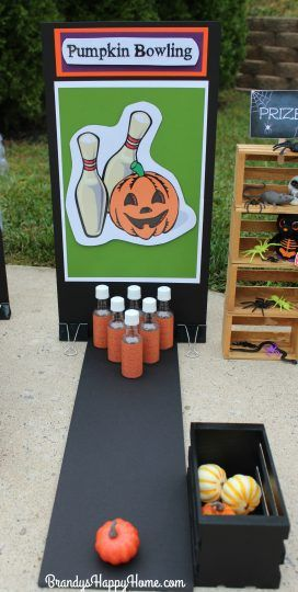 Dolloween Carnival Part Carnival Games! Dolloween Carnival Part Carnival Games! Doll Crafts, Crafts, Children's Crafts, RecipesYou are here: // Halloween Tags, Halloween Carnival Games, Halloween Class Party, Halloween Games For Kids, Halloween Birthday, Haloween Games, Halloween Costumes, Halloween Crafts, Bowling