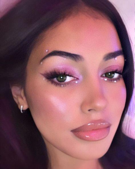 makeup new makeup tape makeup under eye eye makeup remover necessary makeup set makeup in hindi eye makeup trends makeup zodiac Gem Makeup, Rave Makeup, Makeup Eye Looks, Creative Makeup Looks, Pretty Makeup, Exotic Makeup, Jewel Makeup, Gorgeous Makeup, Doll Eye Makeup