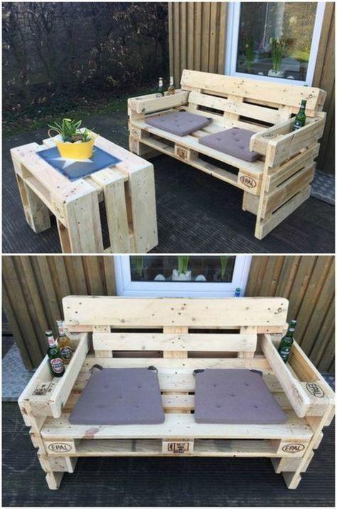 Canape Palette Banquette En Palette Salon De Jardin En Palette Bois Clair C Blog In 2020 Palette Outdoor Furniture Pallet Furniture Outdoor Diy Pallet Furniture