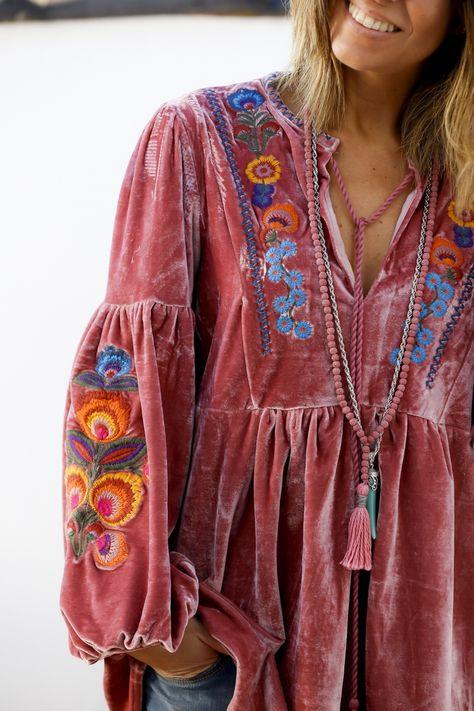 OS Mexican Embroidered Housedress Latin American Folk Art Burgundy Dress MuuMuu Bohemian Boho Hippie Chic Southwestern Yoked Top Blouson