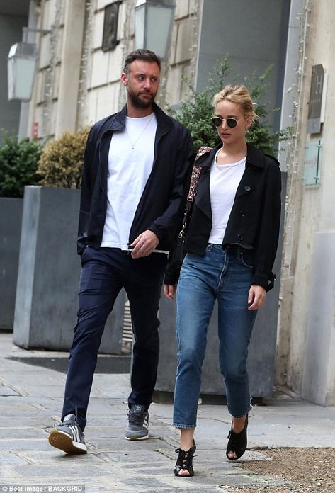 Ultra chic: Jennifer slipped her slender pins into a pair of cropped blue jeans as she tee...