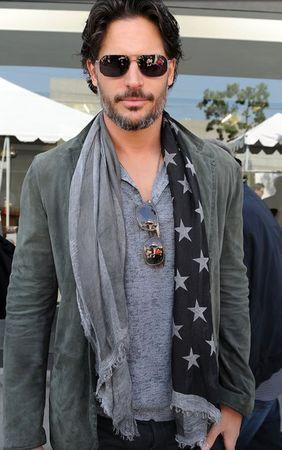Apprenons à rallumer [pv - Alec Sacabeu] B1b9d8e1f9ec952b51502c6c4e612f27--wear-a-scarf-men-scarf