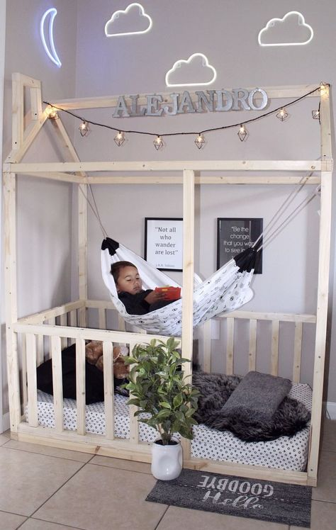 9 DIY Toddler Bed Ideas - Guide to choose the right toddler bed plans Keep reading to find out more about getting the right timing and the more ideas about the right toddler bed ideas suits your needs. Baby Bedroom, Baby Boy Rooms, Baby Room Decor, Room Decor Bedroom, Girls Bedroom, Bedroom Ideas, Diy Toddler Bed, Toddler Beds For Boys, Boy Toddler Bedroom