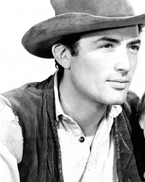 Cowboy Gregory Peck does things to me. I might have to watch some Westerns. 3442ee2258f
