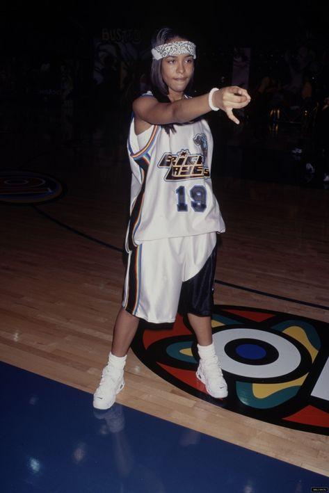 Came To Give Love — Aaliyah at MTV Rock'n'Jock Basketball (Part ½)....